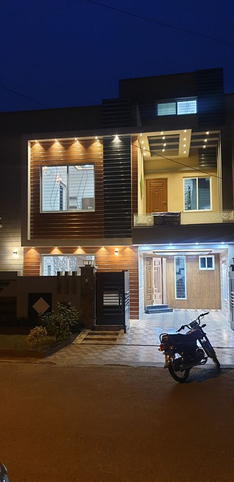 Beautiful Brand New 5 Marla House in Bahria Town Lahore